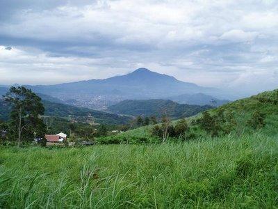 Gunungtampomas